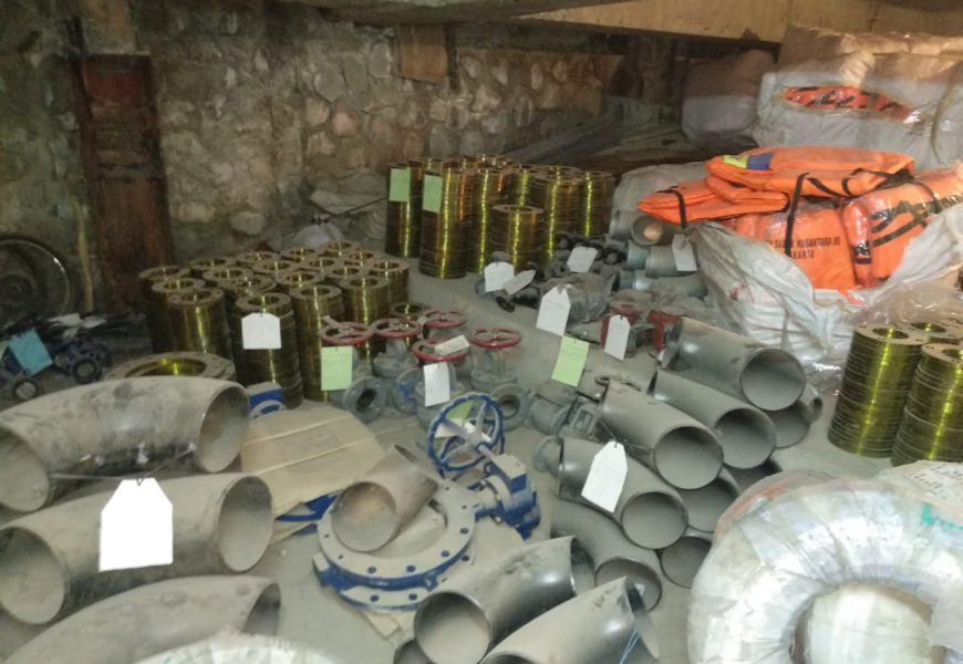 Jual Barang Baru,harga dibawah pasaran sisa proyek wa:081319823277 besi,kabel,dll